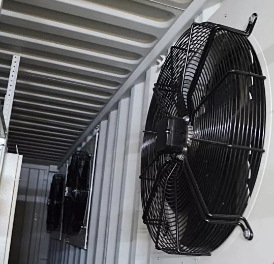 монтаж осевого промышленного вентилятора в контейнере